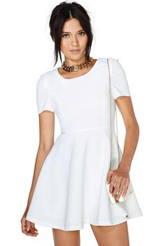 If your heart's desire is to look adorable and modern without doing any work-- this is your dress...