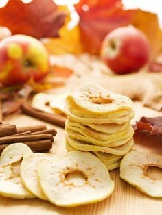 Easy Dried Fruit Snacks Turn fresh pears or apples into a crunchy, good-for-you snack. Package creatively to give as gifts and your health-conscious friends