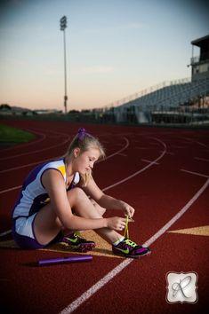 SENIOR PICTURES TRACK | Ashlyn | BHS Track & Field Senior Pics