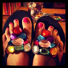 Old Navy flip flops + felt + plastic gems + a little hot glue = DIY Bling Flip Flops