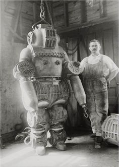 Diving suit from 1911.  Wow.