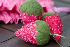 Little Strawberry Pincushions