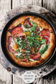 Greens, Eggs and Ham Breakfast Pie