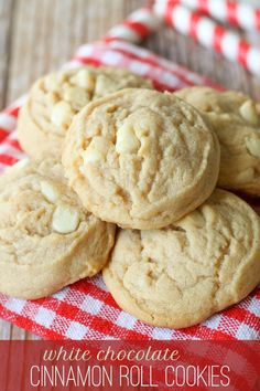 Soft and chewy White Chocolate Cinnamon Roll Cookies { lilluna.com }