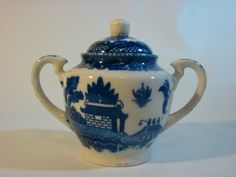 BLUE WILLOW SUGAR BOWL WITH LID ---MADE IN OCCUPIED JAPAN.....