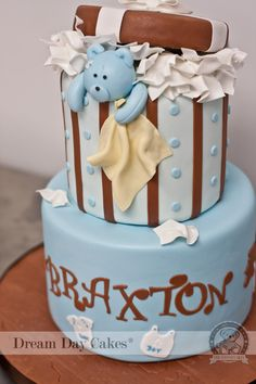 Box Teddy bear baby shower cake