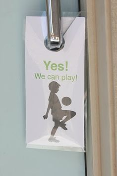"""What a great idea!  You make a door card """"Yes, we can play"""" or on other side """"No, we can't play"""" to notifiy all your kids friends if they are available or not to play!!!!  And if not, you put up the notice and your doorbell won't be going off all day!!!    Miss Poppins: Printables"""