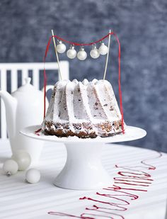 Ariadne at Home - cake topper christmas Photography: Sjoerd Eickmans Styling Moniek Visser