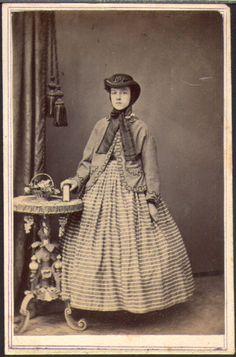 fashionablegirl.jpg (436×660) from The Graceful Lady