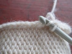 This tutorial explains 'Shepherds knitting', also known as Bosnian crochet