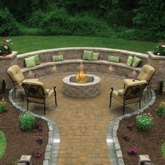 Small backyard ideas for design- someday when I have a small yard - Love this!