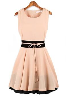 Like the waist accent with the different color stripe and bow
