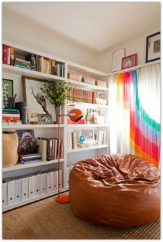 Art Symphony: Color and Personality in a Los Angeles House ▶