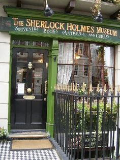 The Sherlock Holmes Museum. London. I WANT TO GO!