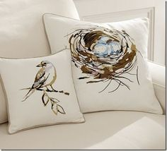 Bird decor is nothing new.  Somehow, it never goes out of style.  Here are a few bird-embellished  home decor items that have caught my eye lately:                                     Photo Credits:  Lila's Eyes, This Next, Good Housekeeping, Decor Rustic, Cafe …