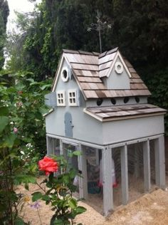 Love the roof and color of this coop.