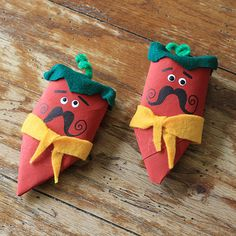 How cute! Cardboard Tube Chili Pepper Maracas by @Amanda Formaro of Crafts by Amanda