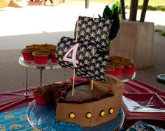 cupcak, birthday parties, pirate birthday, brayden birthday, pirateship cake, pirat parti, parti idea, island