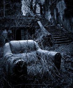 creepi, haunt, chair, ruin, dark, beauti, abandon place, forgotten, decay