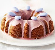 Poppyseed & honey cake; A deliciously moist cake with a tangy strawberry-flavoured icing