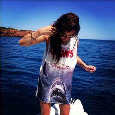 Eleanor Calder... I need that shirt!!!!