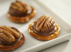 Cricket's Cafe: Rolo (cookie) Treats