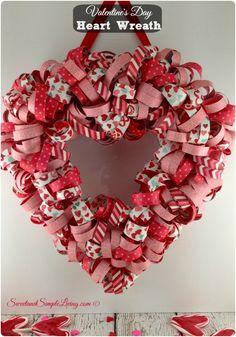 Valentine's Day Heart Wreath #valentinesday