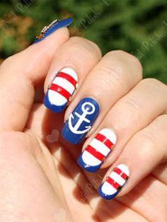 Nautical 4th of July nails (=
