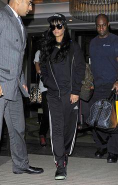Rihanna Long Wavy Cut with Bangs