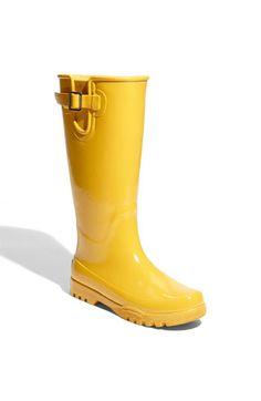 Something wonderful about yellow rainboots