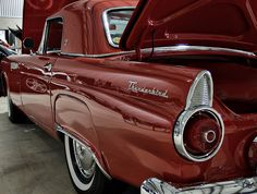 'Vintage Ford Thunderbird'