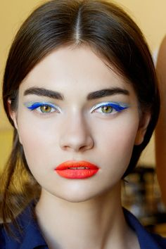 Indigo eyeliner, makeup ideas inspired by tie dye