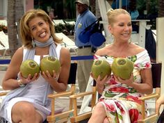 What Kathie Lee and Hoda did in the Bahamas....    oh my gosh i love them.