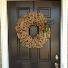 How to make a Burlap Wreath. Simple with COMPLETE instructions