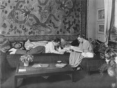 Fritz Lang and his wife Thea von Harbou in the 1920s in their Berlin apartment where they wrote the german expressionist film 'Metropolis' #vintage