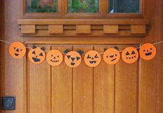 DIY Pumpkin Face Paper Garland.