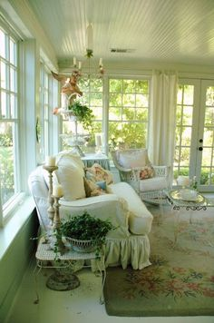 Dreaming of a great sun room in a fabulous cottage...