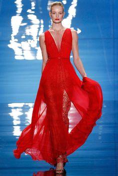 Seis tendencias must para la noche de graduación  http://www.glamour.mx/moda/articulos/vestidos-graduacion-trends/1529