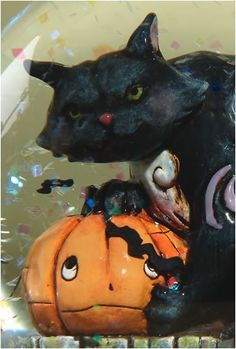 Jim Shore Halloween Black Cat With Pumpkin Water Globe