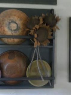 wooden bowls, prim bowl racks, wooden bowl rack