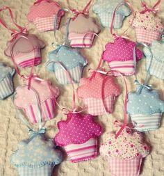 Such a cute idea!  Fabric cupcake ornaments.