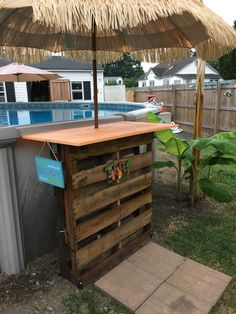 My version of the swim up pallet bar.