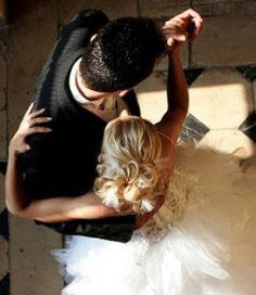 Ce melodii aleg mirii pentru dansul de deschidere - Scoala de dans Stop&Dance