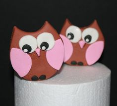 How to make an Owl Cake Topper • CakeJournal.com
