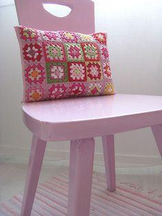 Granny cushion pillow #crochet chair, couch, crochet, cushions, granni squar, cushion pillow, granny squares, granni pillow, cutegranni cushion