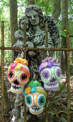 My SugarSpun Skulls hanging out at the Pet Cemetery. Crochet pattern is now available in my shop! https://www.etsy.com/listing/161438523/sugar-skull-crochet-pattern-amigurumi