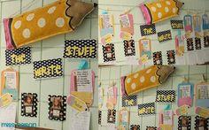 school bulletin boards, classroomwrit idea, pocket, paper bags, display, birds, cameras, board idea, back to school
