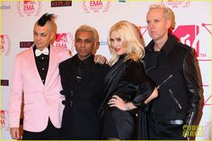 Singer Gwen Stefani of No Doubt wearing a Le Vian Chocolate Diamond and Vanilla Diamond ring in Vanilla Gold to the MTV EMA's 2012 at Festhalle Frankfurt on November 11, 2012 in Frankfurt am Main, Germany.
