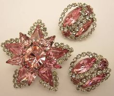 Weiss Pink and Clear Rhinestone Brooch and Earring Set. *WEISS* PINK RHINESTONE Demi Set Brooch Pin Earrings