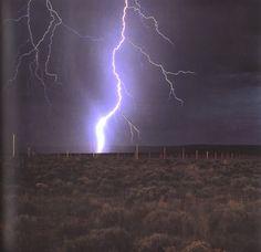 """Walter de Maria """"lightning field"""""""